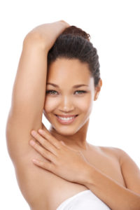 How to lighten the skin under your armpits