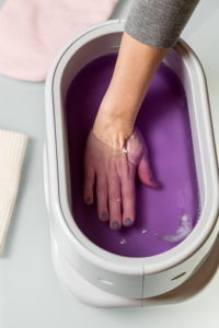 Benefits of paraffin wax for hands and feet